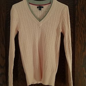 Tommy Hilfigere new without tags.Pink v neck